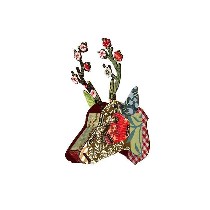 "Trophée Tête de Cerf - Miho ""Flower blow up"""