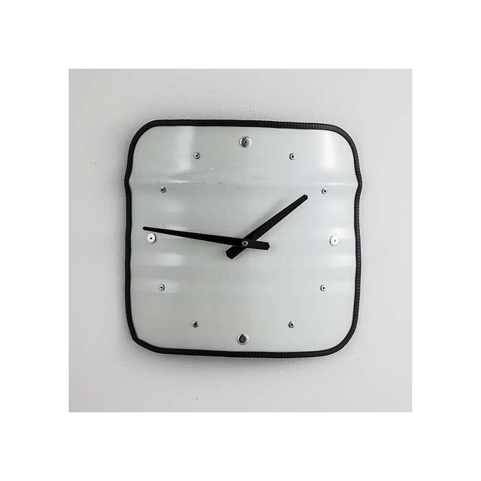 Horloge bidon recyclé type meuble industriel - Upcycling