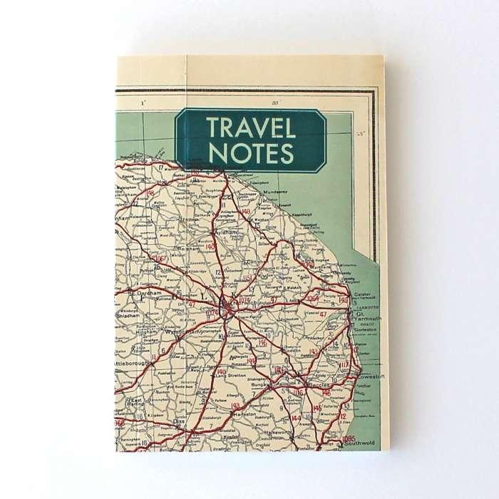 Carnet de notes, voyage. Ancienne carte recyclée