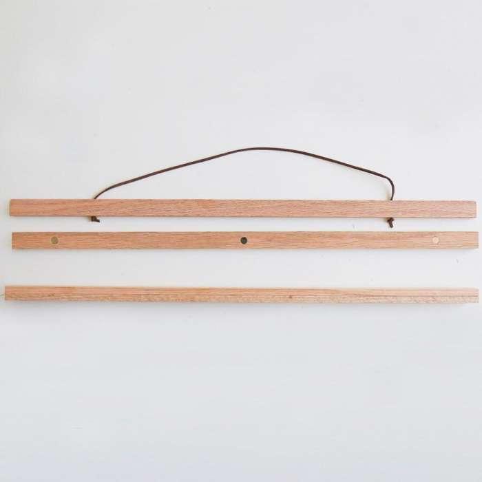 Porte Affiche aimanté en bois. L 50cm